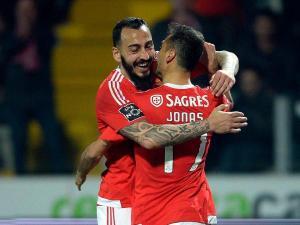 Os dois jogadores estão ao serviço da seleção grega mas deverão regressar mais cedo a Portugal, falhando o jogo com a Islândia