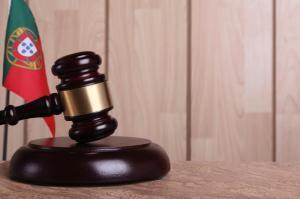Homem matou a tiro a ex-companheira, os ex-sogros e o ex-enteado e confessou crimes em tribunal