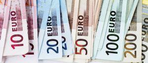 Entre janeiro e março, o défice das Administrações Públicas (AP) fixou-se em 358 milhões de euros, uma melhoria de 290 milhões de euros face a igual período do ano passado.