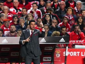 Treinador do Benfica não pensa apenas no dérbi com o Sporting
