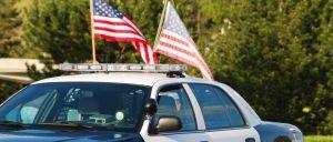 A polícia do estado norte-americano do Texas deteve um casal por alegadamente ter roubado um veículo funerário no parque de estacionamento de um restaurante e de se terem visto livres