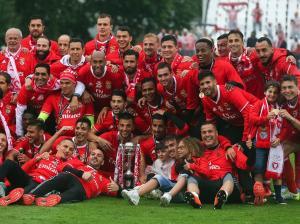 Ao vencer o V. Guimarães na final da Taça de Portugal, no Jamor (2-1), o Benfica alcança a 11.ª dobradinha da sua história