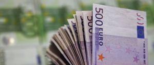 Dave Dawes deu quase dois milhões de euros ao filho depois de vencer o euromilhões. Michael gastou quase todo o dinheiro em apenas um mês.