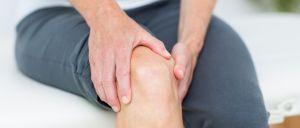 Estudo descobriu uma ligação entre ter joelhos 'barulhentos_ e o risco de desenvolver uma doença nos ossos.