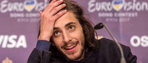 Jornal El Español recorreu à ironia para engrandecer a participação de Portugal na Eurovisão. E para fazer uma auto-crítica.