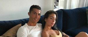 O jogador partilhou a primeira fotografia com a namorada nas redes sociais.