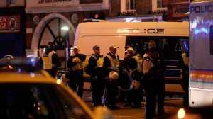 Londres está a viver uma noite de pânico. Uma carrinha conduzida por um homem atropelou várias pessoas na London Bridge.