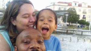Pais lançam apelo no Facebook para tentar encontrar o filho.